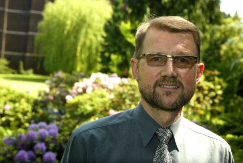 Helge Sander er blevet midtpunkt i en politisk storm efter sin medvirken i en reklame for computerfirmaet Hewlett-Packard. Arkivfoto: Bent Midstrup