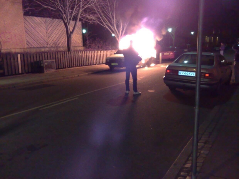 Ved Mimersgade/Rådsmandsgade blev endnu en bil sat i brand.