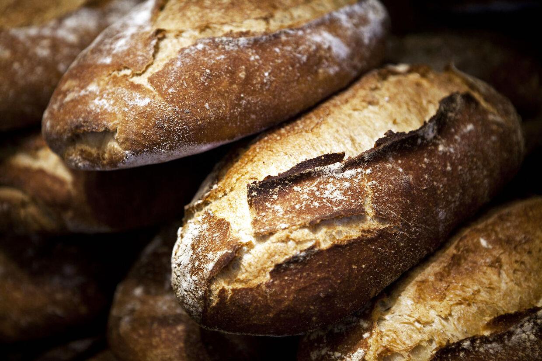 Selv om brødet bagt efter samme opskrift betaler københavnere og jyder vidt forskellige priser for brød i Lagkagehuset.