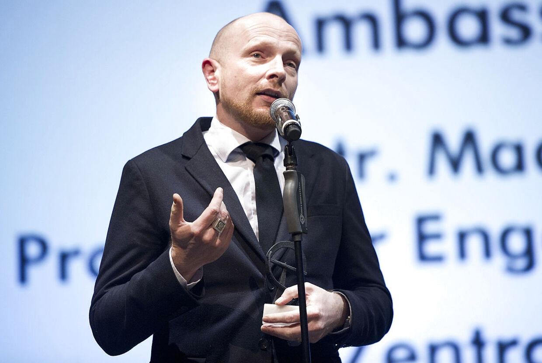 Mads Brüggers næste film, »Operation Celeste«, lader til at blive mindst lige så kontroversiel som hans foregående, »Ambassadøren«.
