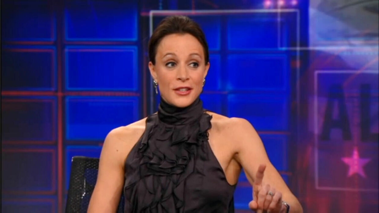 Author Paula Broadwell (L) is pictured discussing her biography of General David Petraeus to Daily Show host Jon Stewart on the Daily Show in New York January 25, 2012 in this screen capture from video obtained by Reuters November 10, 2012. REUTERS/Comedy Central/Handout (UNITED STATES - Tags: MILITARY SOCIETY) NO SALES. NO ARCHIVES. FOR EDITORIAL USE ONLY. NOT FOR SALE FOR MARKETING OR ADVERTISING CAMPAIGNS. THIS IMAGE HAS BEEN SUPPLIED BY A THIRD PARTY. IT IS DISTRIBUTED, EXACTLY AS RECEIVED BY REUTERS, AS A SERVICE TO CLIENTS. MANDATORY CREDIT