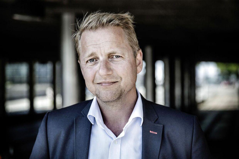 Martin Geertsen mener også, at svenske Frederik Reinfeldt er helt gal på den.
