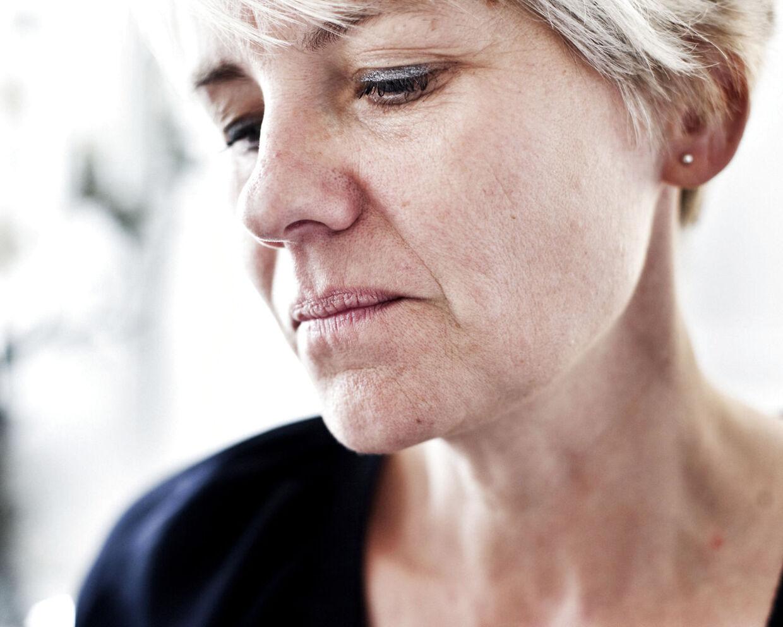 ARKIVFOTO. Unge kontanthjælpsmodtagere skal ikke sidde og klø sig bag i. Derfor er socialrådgiverne klar til lavere sats. Foto af socialrådgivernes formand, Bettina Post. (se Ritzau historie 180310) (Foto: Morten Germund/Scanpix 2012)