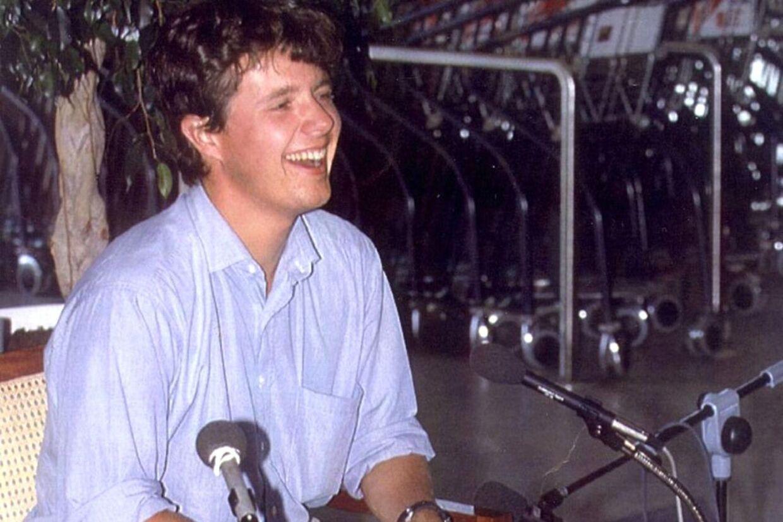 Kronprins Frederik efter hjemkomsten fra USA i 1993.