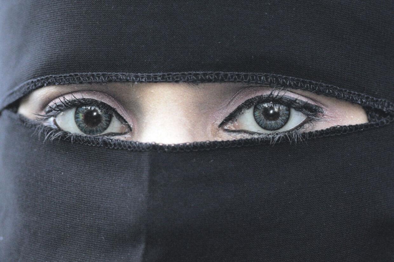 Den nye burkarapport giver ikke svar på, hvor mange i Danmark, der bruger burka og niqab.
