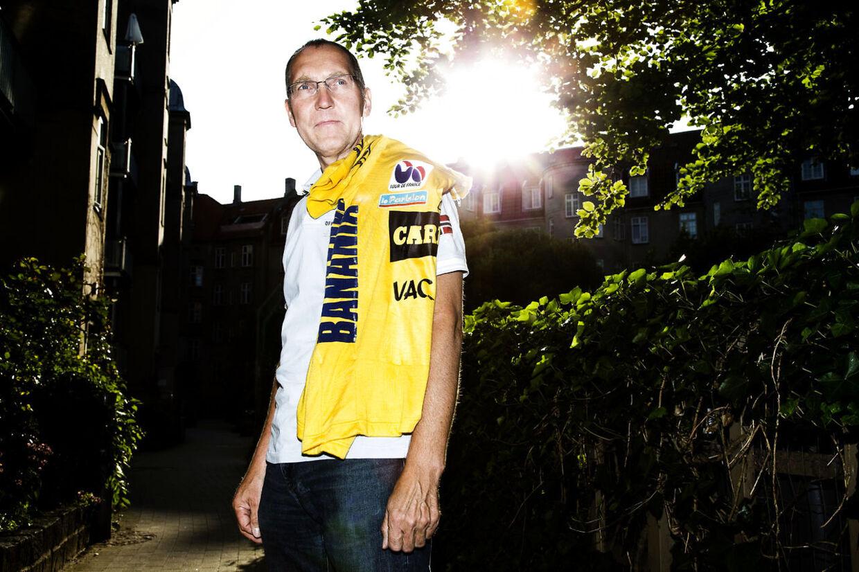 Cykelrytter og gul trøje indehaver Jørgen V. Pedersen - 27 år efter at være kørt i gult i Tour De France.