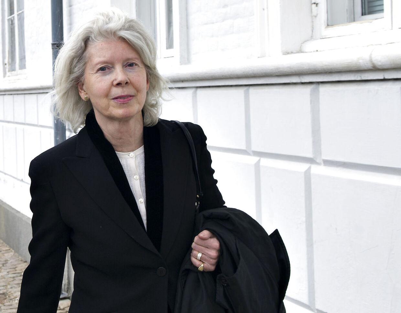 Det nye overhoved i Mærsk-familien Ane Mærsk Mc-Kinney Uggla er fortsat i sorg over hendes fars død.