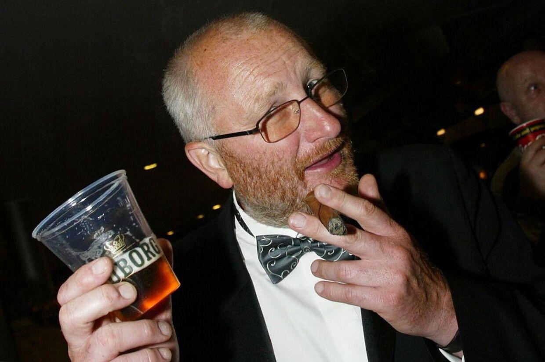 Peter Aalbæk Jensen er flabet – og medarbejdere, kulturdanmark, politikerne og journalister griner overbærende.