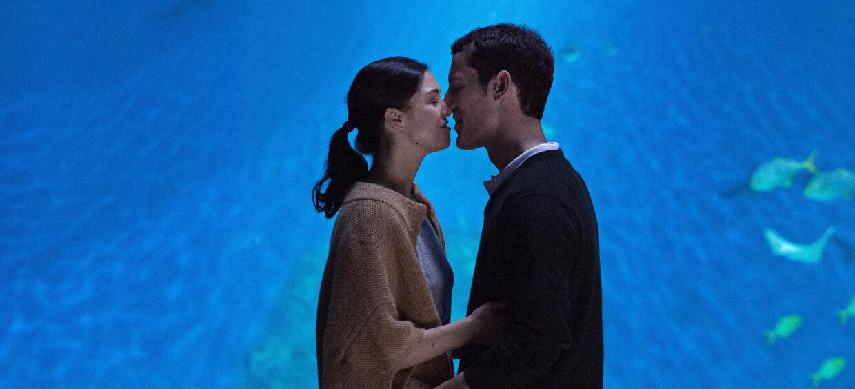 Natalie Madueño som Claudia og Simon Sears som Tobias.?Foto: Christian Geisnæs/DR1.