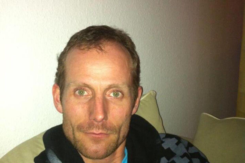 Lars Bo Lomholt står nu frem som den politimand, der stjal den aflivningsdømte hund Thor.