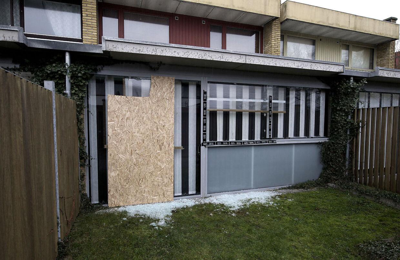 Her ses en af de ejendomme, hvor der været indbrud rettet mod etniske danskere i Vollsmose den seneste tid.