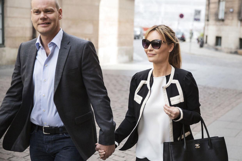 Mascha Vang med sin kæreste Andreas Bo Pedersen, da de ankom til Byretten .Den tiltalte i voldssagen, hvor Mascha blev slået, fik 30 dages betinget fængsel fredag eftermiddag (Foto: Kasper Palsnov/Scanpix 2014)