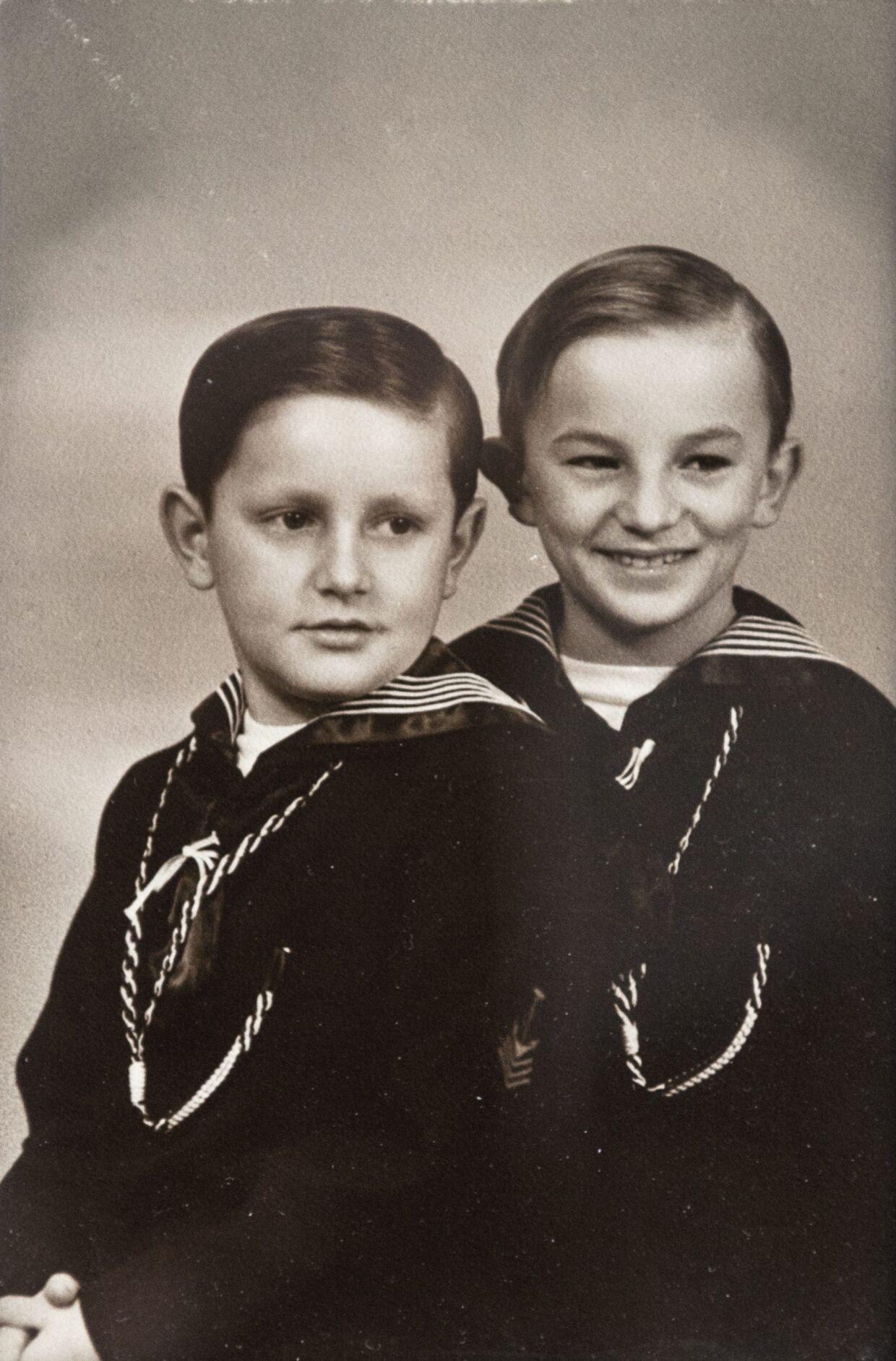 Kurt Hauptmann var kun syv år gammel, da han første gang kom til Danmark. Her ses han sammen med et af de andre wiernerbørn, som fru Ingeborg Daell også havde i pleje. Foto: Christian Liliendahl