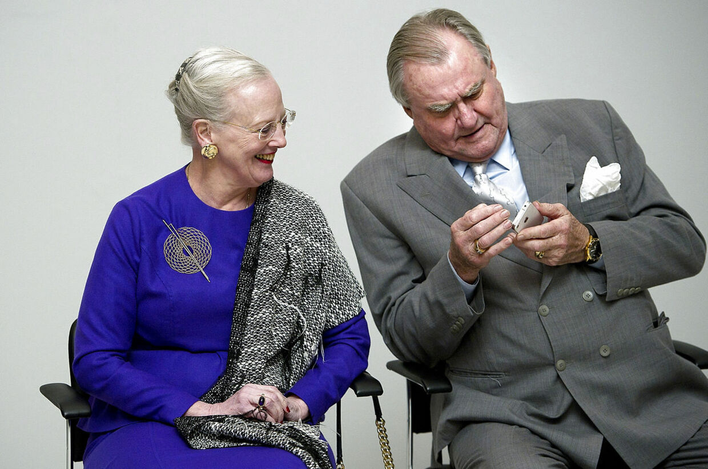 Dronning Margrethe har ingen officielle pligter i kalenderen, men begge hendes sønner træder ind som rigsforstander i en periode i februar, og det indikerer, at dronningen tager på privatbesøg i udlandet.