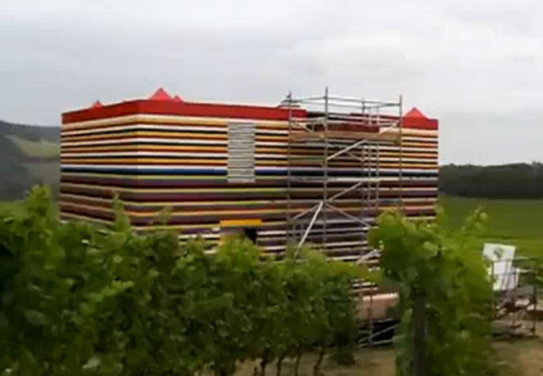 Legohuset i vinmarken, da det næsten var færdigt.