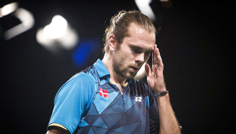 Jan Ø. Jørgensen stiller på grund af sygdom i sin nærmeste familie ikke op ved den internationale invitationsturnering Copenhagen Masters, der indledes søndag i Falkoner Salen i København.