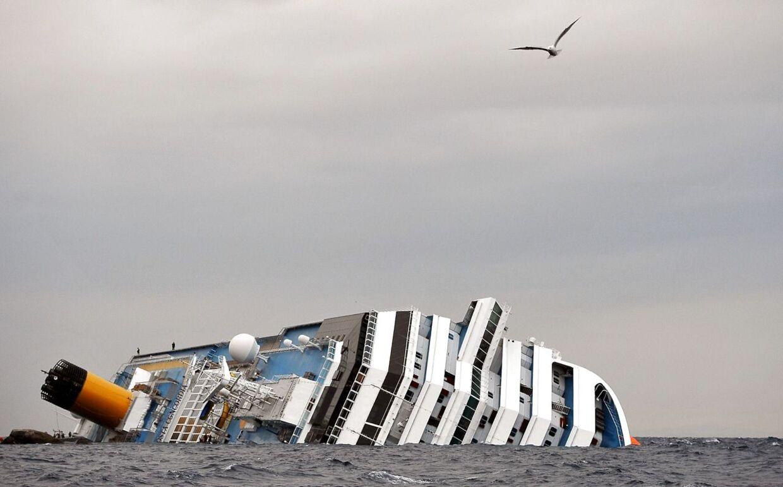 Ulykken skete i januar 2012, da det 290 meter lange og 38 meter brede krydstogtskib sejlede for tæt på Giglio og ramte et klipperev under vandet. 4.200 personer var om bord på skibet, da ulykken skete, og 32 af dem mistede livet i det mørke og vinterkolde vand.