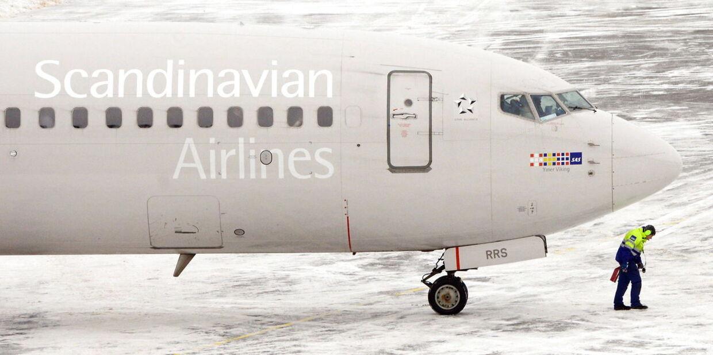 Et SAS-fly er blevet evakueret i norsk lufthavn, da kabinen blev fyldt af røg. Flyet skulle have fløjet til København.