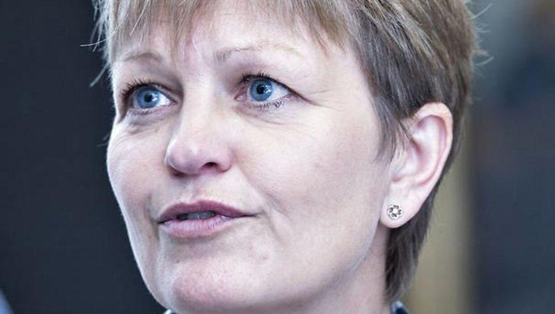 Eva Kjer er under massiv kritik fra en række af Folketingets partier