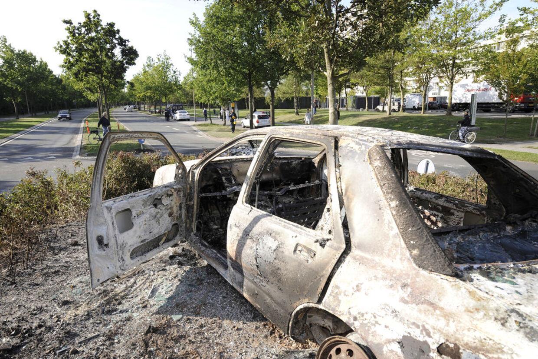 Flere biler blev brændt af i går aftes under urolighederne i Vollsmose.