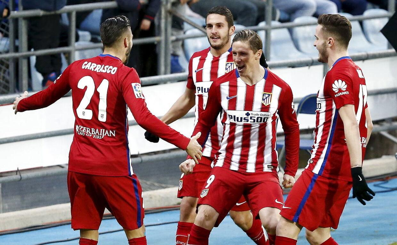 Fernando Torres jubler med holdkammeraterne fra Atletico Madrid efter målet til 1-0 i kampen mod Getafe.