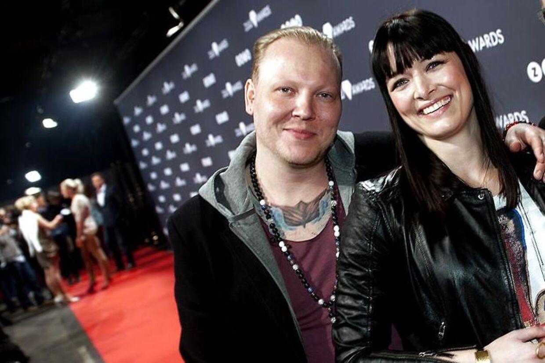 """Niarn og Anne Kejser var nomineret i Zulu Awards i kategorien 'Årets originale danske radioprogram' for 'Anne & De Herreløse Hunde"""". Nu er Niarn opsagt med øjeblikkelig virkning."""