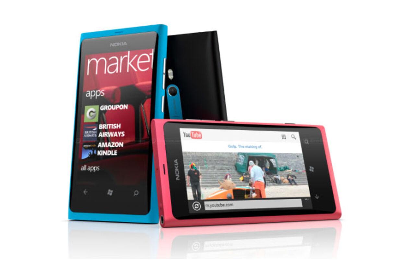 Prisfaldet på Nokia Lumia 800 er på hele 56,3 %. Det presser prisen ned på sølle 1.749 kroner!