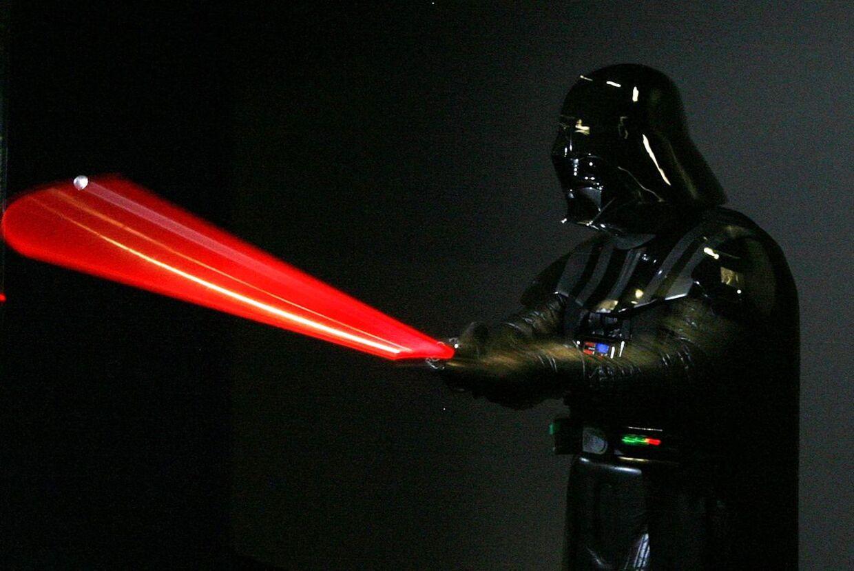 Darth Vader vender tilbage REUTERS/Daniel Munoz (AUSTRALIA)