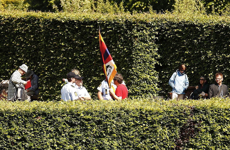 Thomas Goetz får frataget sit Tibet-flag i forbindelse med Hu Jintaos besøg i Danmark Juni 2012