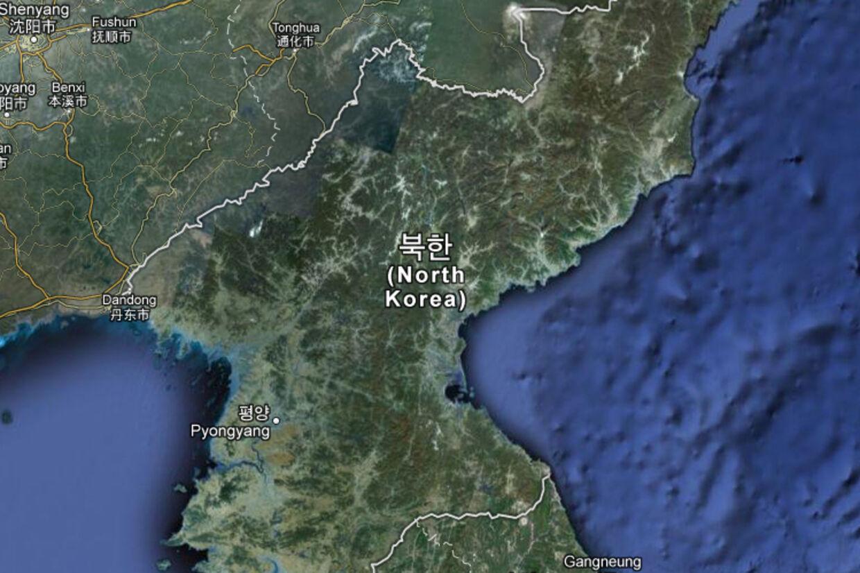 Måske skal Google-formanden forhandle med nordkoreanerne om at få nogle informationer på hans eget kort. Googles kort over Nordkorea viser kun hovedstaden, Pyongyang. Ingen andre byer, ingen veje, ingen navne!