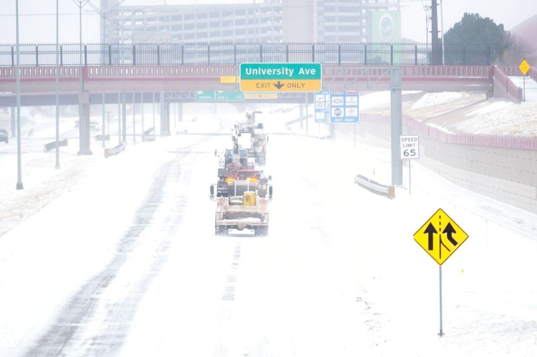 Flere amerikanske stater er i undtagelsestilstand inden snestorm som vil give op til 76 cm sne. Billedet er fra en snestorm, som ramte Texas kort før nytår.