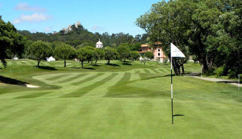 Det smukke golfområde Penha Longa i issabon i Portugal. Her koster greenfee ca. 600 kr.