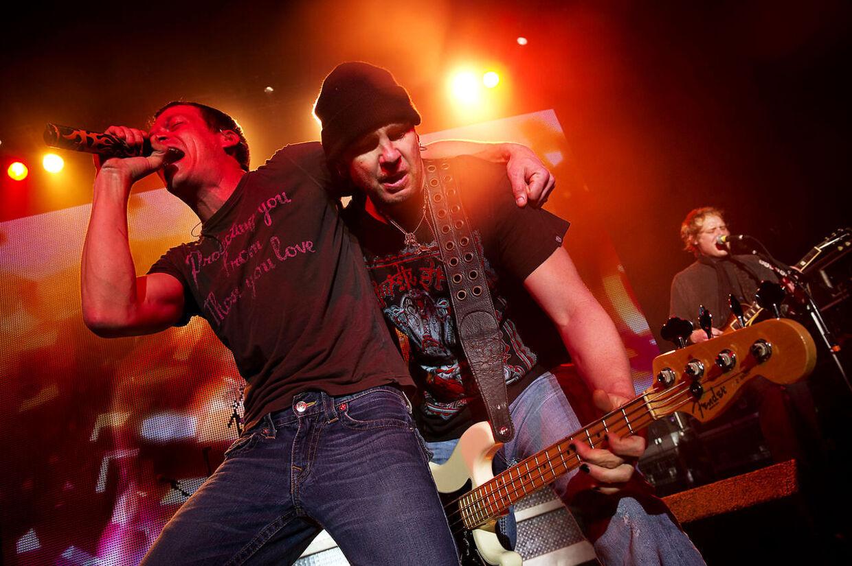 3 Doors Down gav søndag aften koncert på Vega i København.