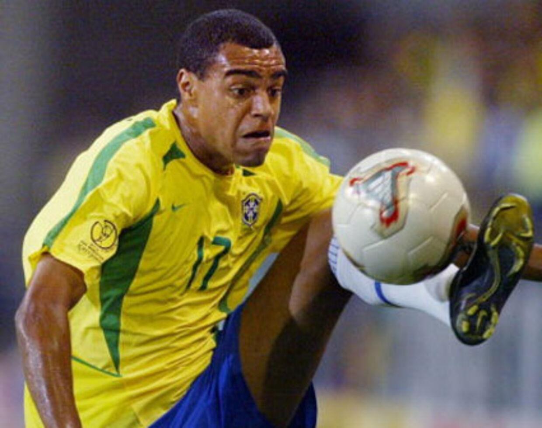Nu 32-årige Denilson har optrådt i Brasiliens landsholdstrøje 61 gange. Men AaBs bluse skal han ikke bære.
