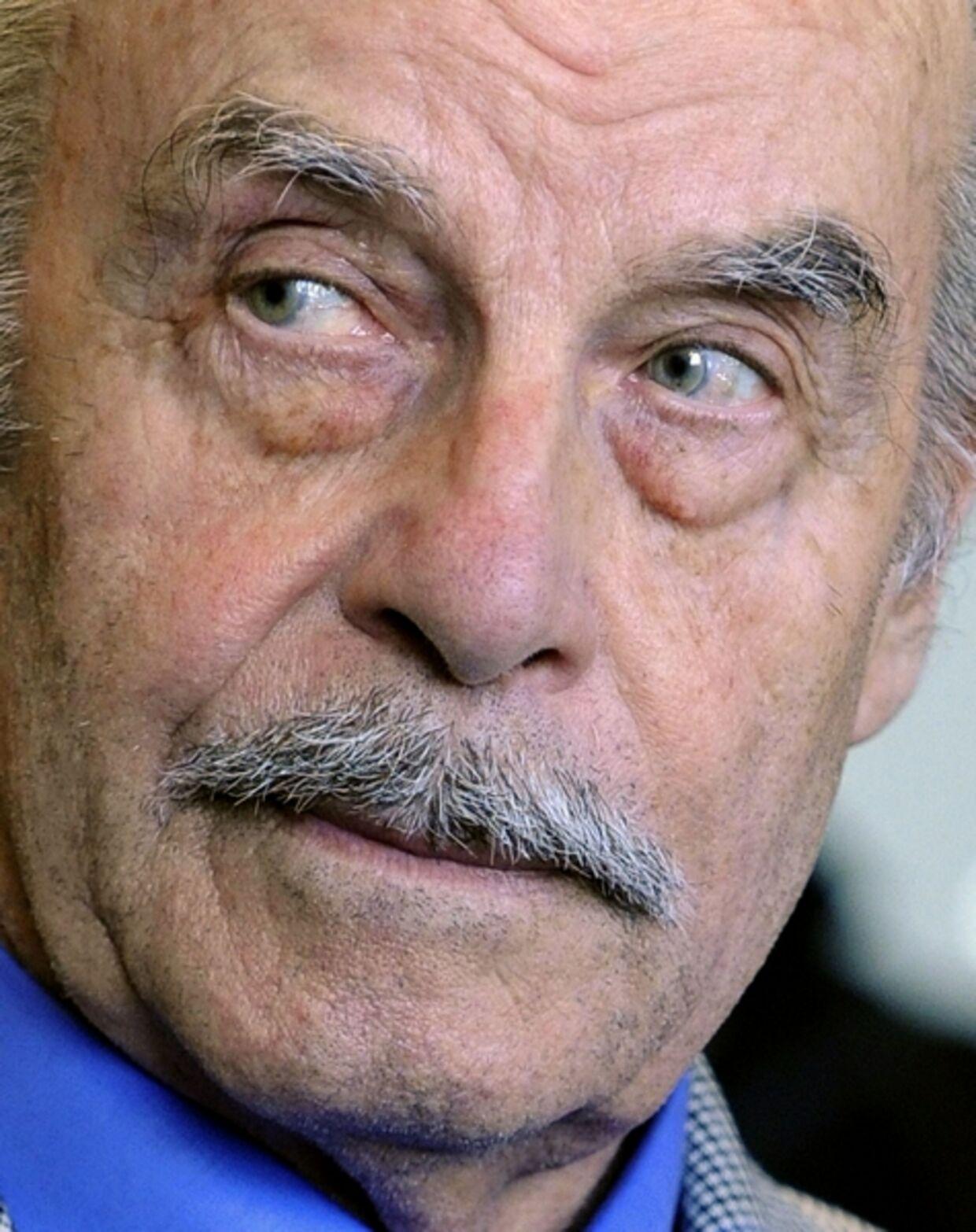Josef Fritzls ondskab bliver muligvis overgået af en italiensk far, der bliver anklaget for at have indespærret og voldtaget sin datter - og lært sin søn at gøre det samme.