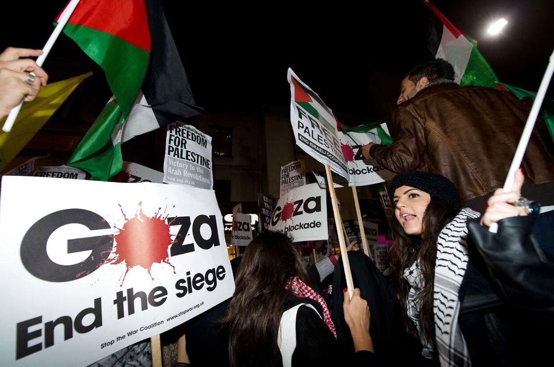 Få dage før palæstinensernes leder, Mahmoud Abbas, går til FNs Generalforsamling for at få opbakning til en resolution, der skal opgradere Palæstinas status, advarer den amerikanske regering nu i klare vendinger Danmark og de øvrige EU-lande mod at stemme for den omstridte resolution.