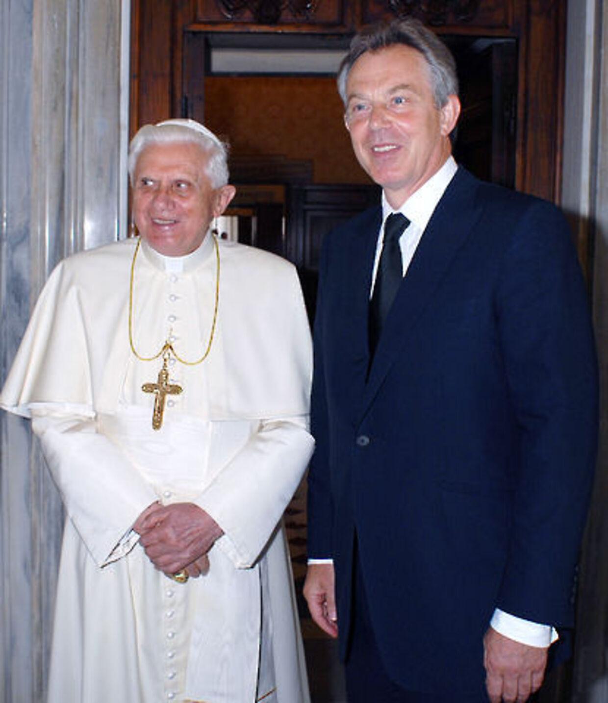Tony Blair sammen med paven.