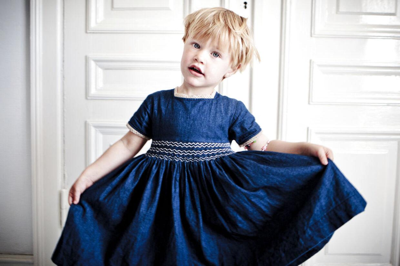 Herbert opdagede for alvor glæden ved at gå i kjole, da han legede prinsesse med en af sin mors veninders datter og i den forbindelse kom i en flot flamenco-kjole. Efterfølgende har han ofte haft kjole på både derhjemme og i børnehaven.