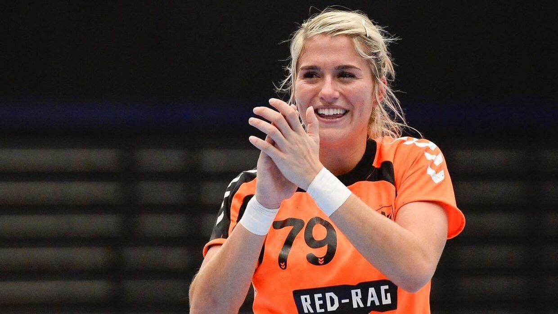 Esbjergs hollandske stjerne Estevana Polman måtte med ambulance til sygehuset efter vejrtrækningsproblemer.