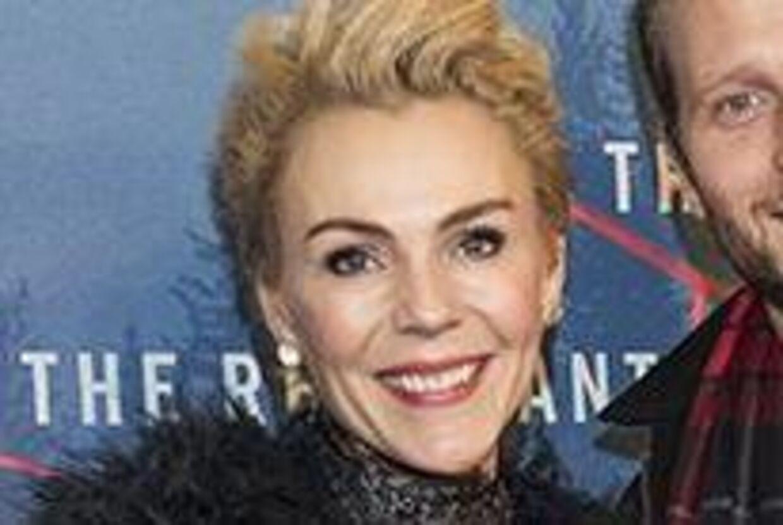 Lene Beier med ægtemanden Anders på den røde løber. Foto: Klaus Bo Christensen