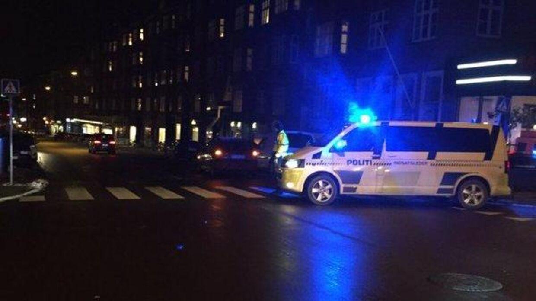 Foto fra Tordenskjoldsgade fredag aften. Foto: Østjyllands Politi.