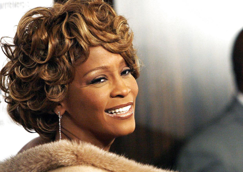Det eksklusive hotel Beverly Hilton i Los Angeles har endnu ikke besluttet, hvad der skal ske med værelse nummer 434, hvor den 48-årige verdensstjerne Whitney Houston blev fundet død i et badekar 11. februar sidste år.