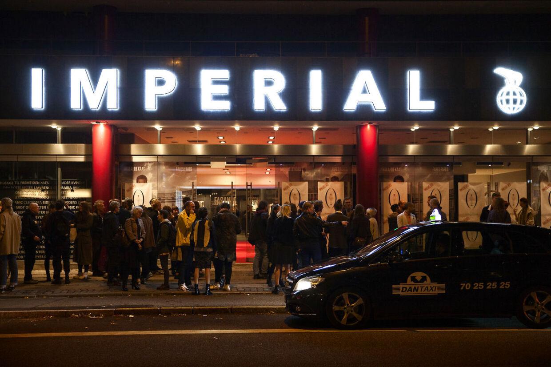 Der var gallapremiere på Nymphomaniac Directors Cut i Imperial, onsdag d. 10. september. Filmen var hård kost, og især en scene blev for meget for tre af gæsterne.