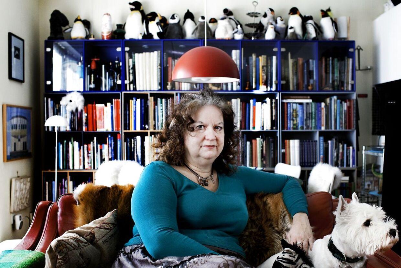 Forfatter Maria Helleberg gik i korstog mod debatten på nettet, men leverede selv en sviner på Facebook.