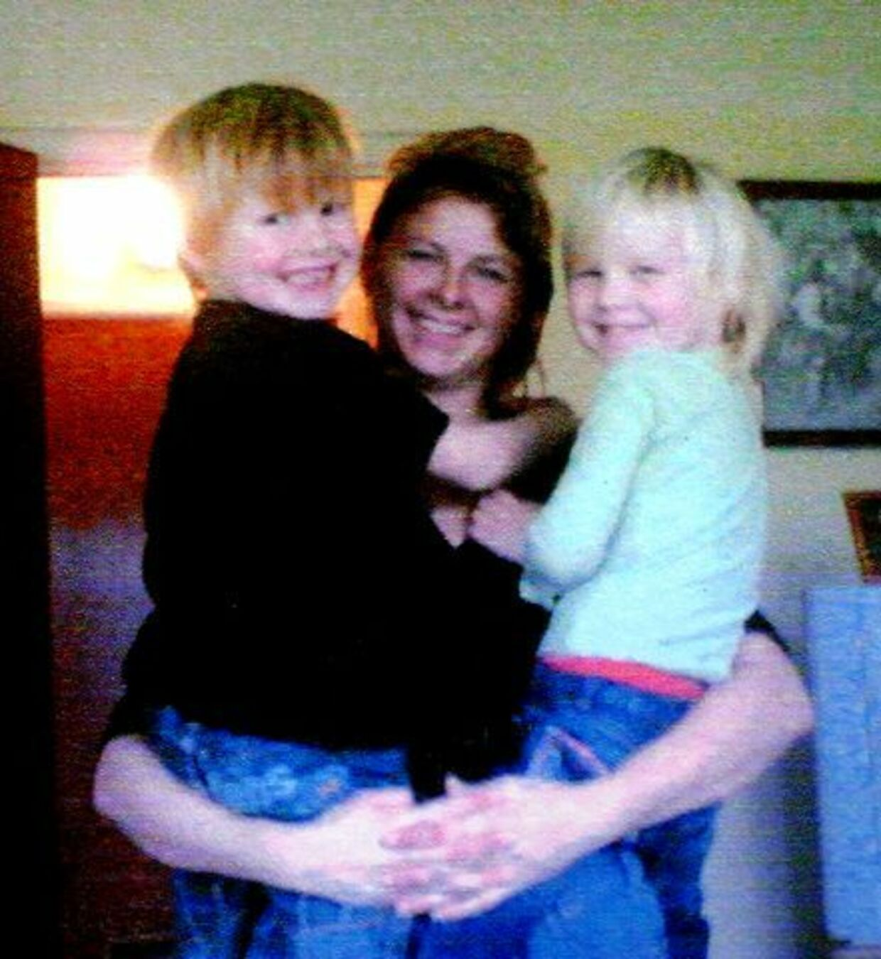 Yvonne Hoffmann Bøttcher med børnene Julian, 6 år, og Søs, 4 år. Privatfoto