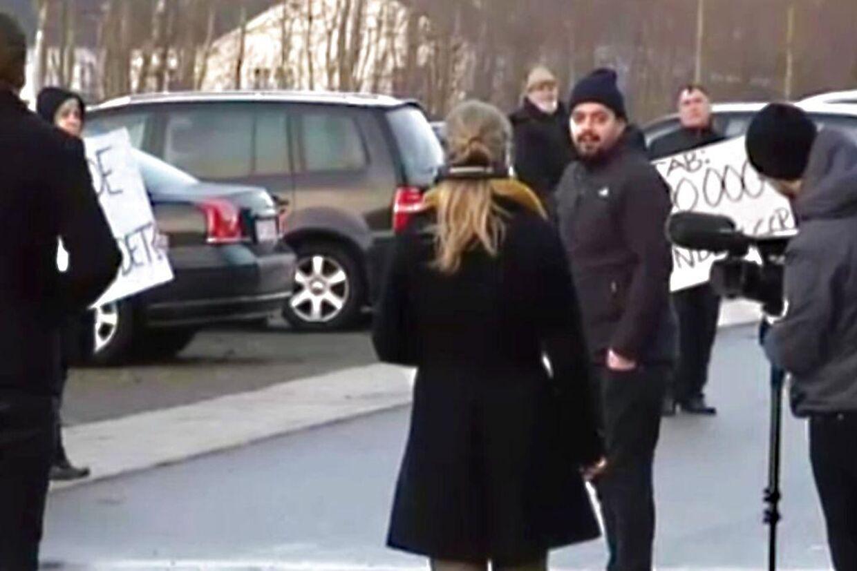 I går viste TV Avisens et indslag om vrede demonstranter, der virkeligheden var instrueret af et tv-hold fra DR.