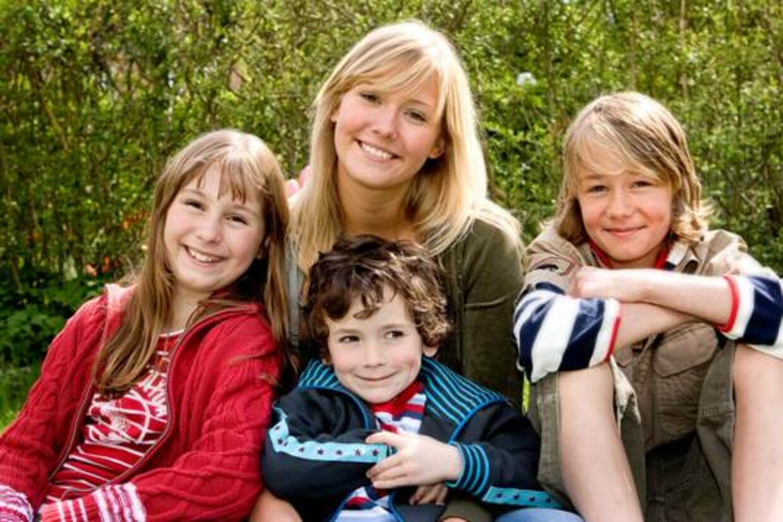 Sådan så fars fire børn ud i 2005. Nu søger ASA film nye til at udfylde rollerne som Lille Per, Ole, Mie og Søs.