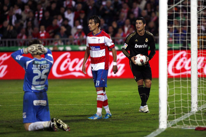 Så sent som i 2012 har David Cortes (i midten) spillet mod stjernen over dem alle, Cristiano Ronaldo. Nu skifter han tilværelsen i Spanien ud med AGF og NordicBet-ligaen.