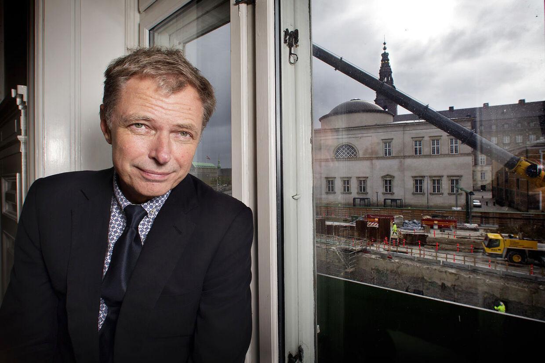 Klaus Riskær Pedersenkan ikke få lov til at åbne en erhvervskonto, da han er registreret i RKI. Det har fået ham til at skrive til Nationalbanken.