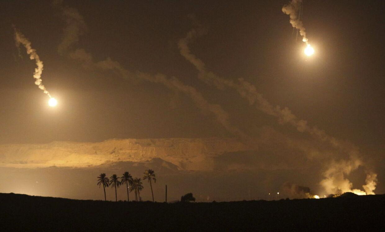 Den israelske regering afviser, at den har indgået en våbenhvile med Hamas. Det kan først komme på tale efter en fredelig periode på 24 timer, lyder kravet.